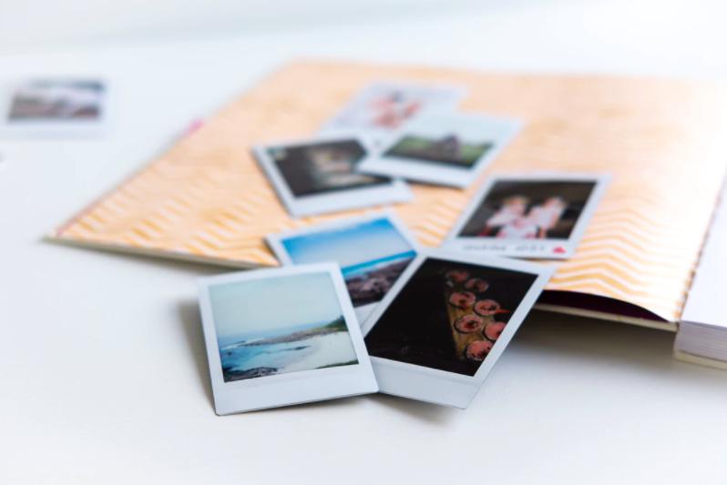 Diez fotos enfocadas y una velada